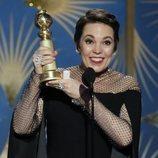 Olivia Colman recogiendo su premio en los Globos de Oro 2019
