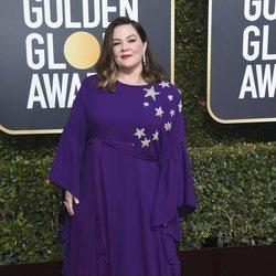 Melissa McCarthy en la alfombra roja de los Globos de Oro 2019