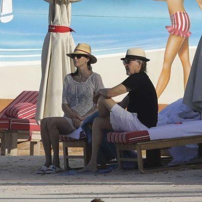 Paul McCartney y Nancy Shevell en la playa de St. Barts