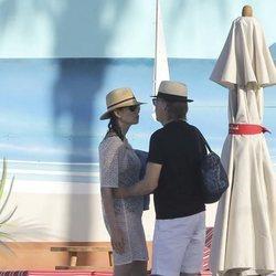 Paul McCartney y Nancy Shevell durante sus vacaciones de fin de año