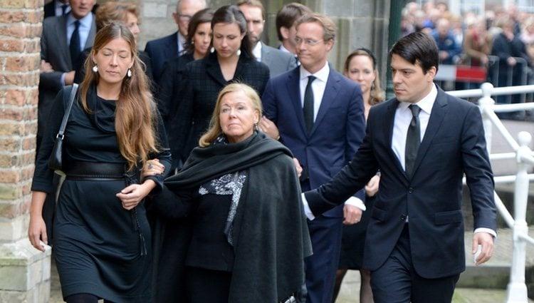 La Princesa Cristina de Holanda junto a dos de sus hijos
