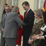 El Rey Felipe y el Rey Juan Carlos, muy cómplices en los Premios Nacionales del Deporte 2017