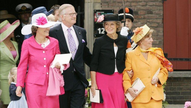 Las princesas Margarita, Irene y Cristina de Holanda en el bautizo de la Princesa Amalia