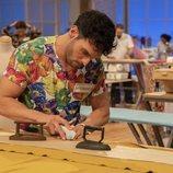 Alejandro, primer programa 'Maestros de la costura'