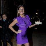 Mónica Hoyos posando con una tarta