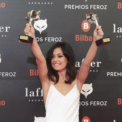 Anna Castillo con sus dos Premios Feroz 2019