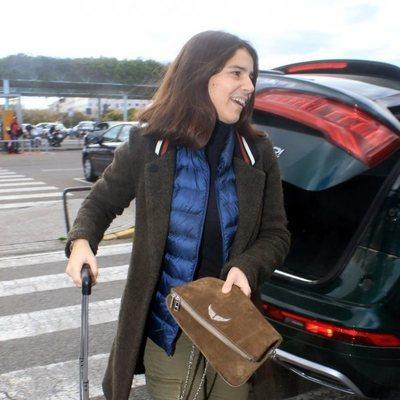 Cayetana Rivera en la estación de tren de Sevilla