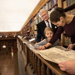 Carlos Gustavo, Victoria y Estela de Suecia en la Biblioteca Bernadotte