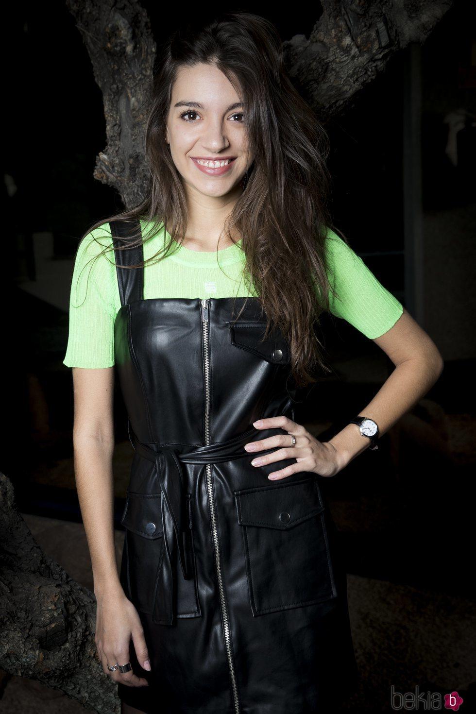Ana Guerra posa sonriente para promocionar su disco 'Reflexión'