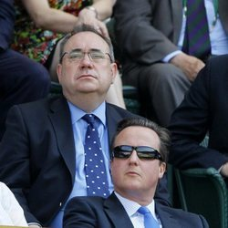 Alex Salmond y David Cameron en el Campeonato All England Lawn