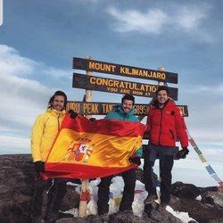 Andrés Ceballos y Willy Bárcenas en la cima del Kilimanjaro
