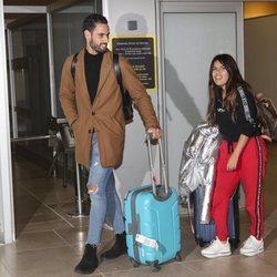 Chabelita Pantoja y Asraf Beno en el aeropuerto tras su escapada romántica