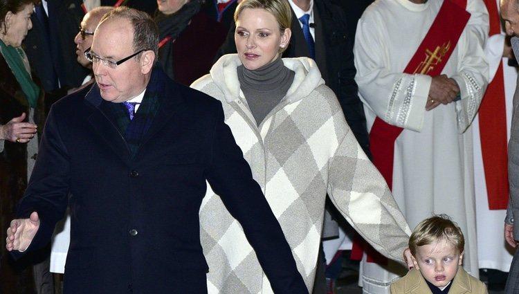 Los Príncipes de Mónaco durante las celebraciones de Santa Devota