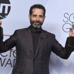 Tony Shalhoub con sus premio SAG 2019