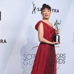 Sandra Oh con su premio SAG 2019