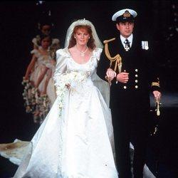 El Príncipe Andrés y Sarah Ferguson en su boda
