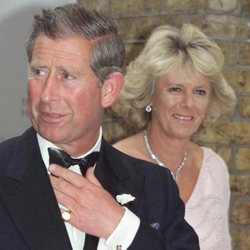 El Príncipe Carlos y Camilla Parker en un acto benéfico en Londres