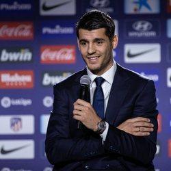 Alvaro Morata en su presentación en el Atlético de Madrid