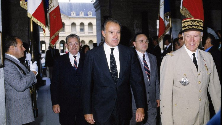 Alfonso de Borbón en un acto de los legitimistas franceses