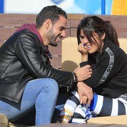 Asraf Beno y Chabelita Pantoja hablando muy acaramelados