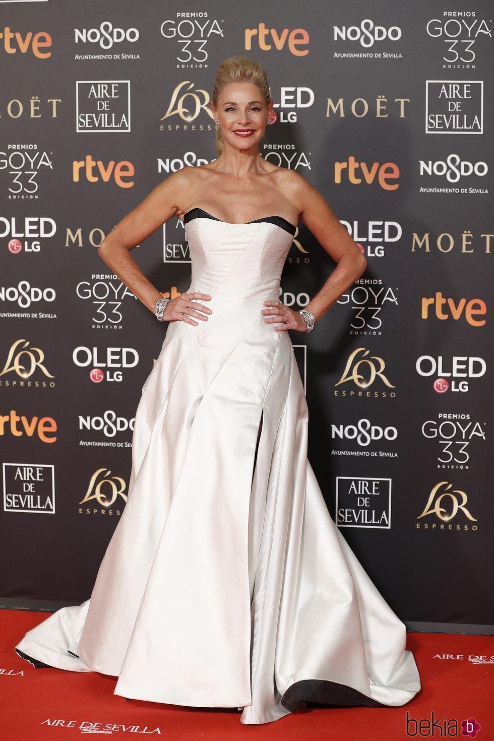Belén Rueda en la alfombra roja de los Premios Goya 2019