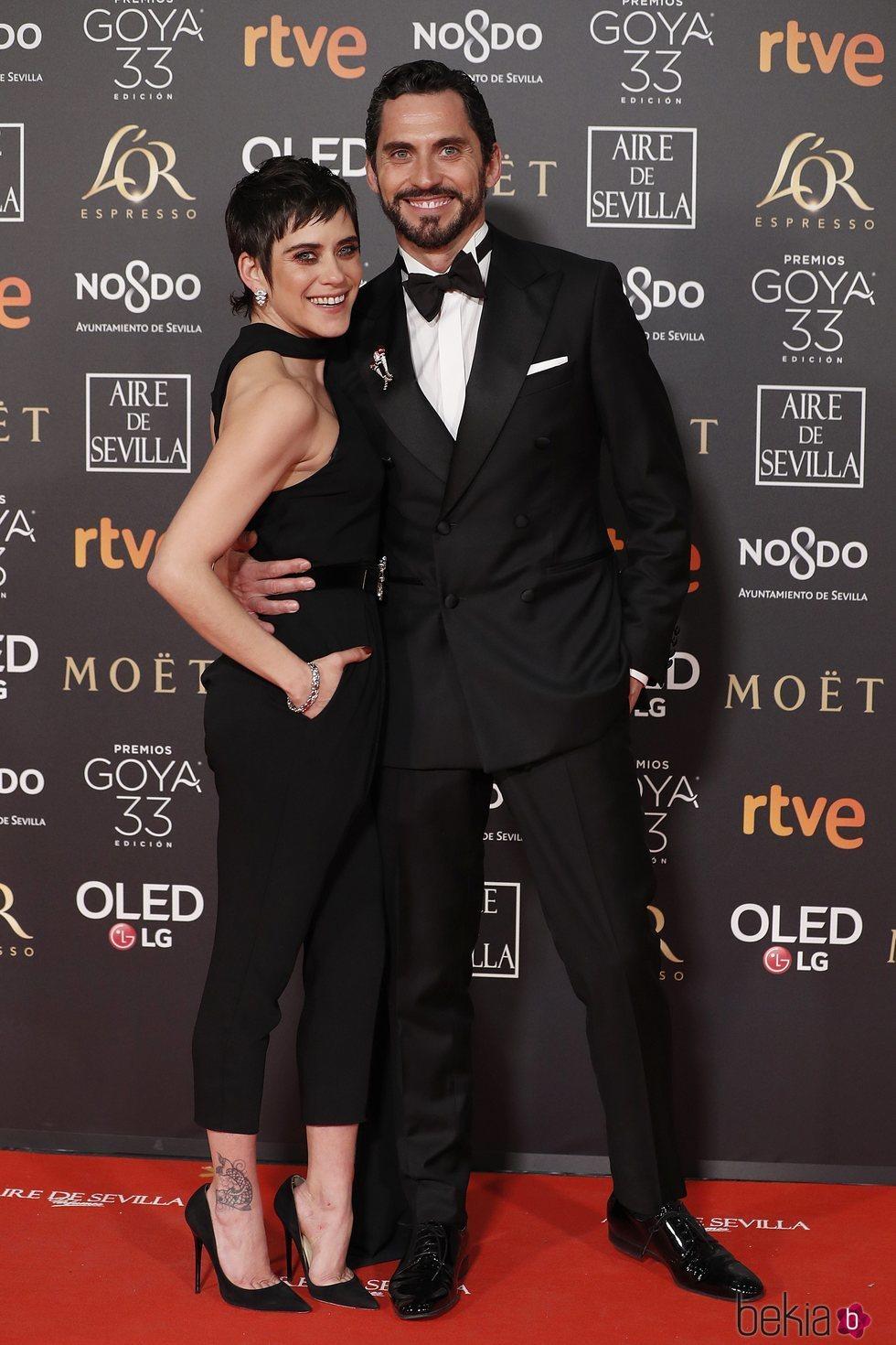 María y Paco León en la alfombra roja de los Premios Goya 2019
