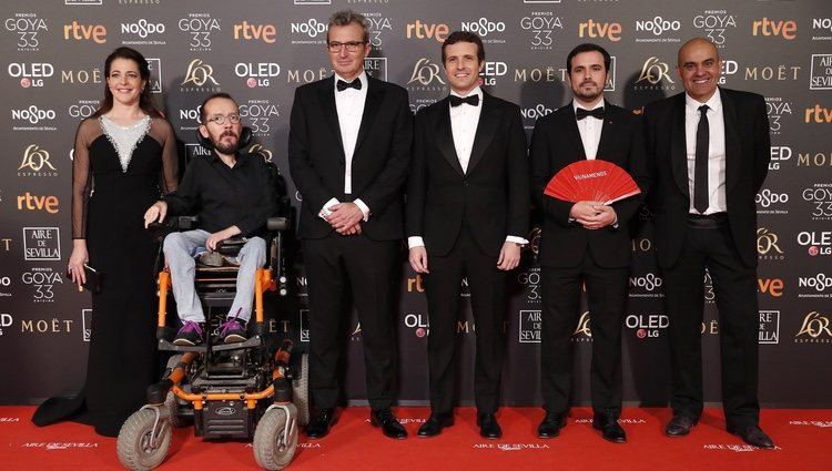 Pablo Casado, Alberto Garzón, Pablo Echenique , Nara Novas, Rafael Portela y Mariano Barroso en la alfombra roja de los Premios Goya 2019