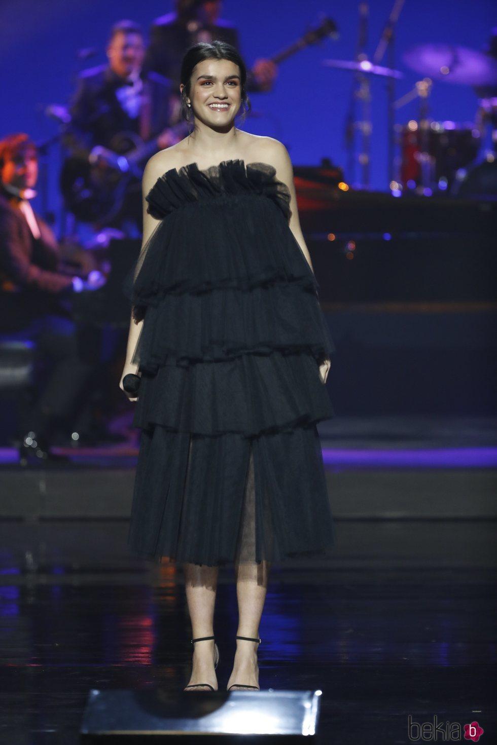 Amaia Romero durante su actuación en los Premios Goya 2019