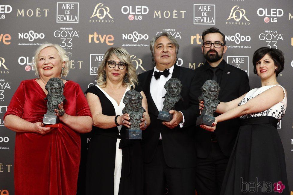 Yousaf Bokhari, Sylvie Imbert, Amparo Sanchez y Pablo Perona con sus estatuillas en los PRemios Goya 2019.