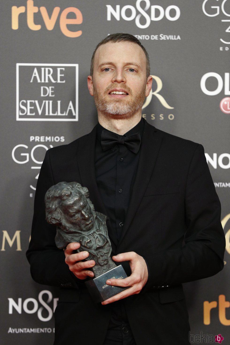 Olivier Arson con su estatuilla en los Premios Goya 2019