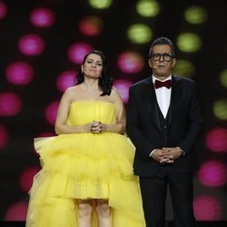 Silvia Abril y Andreu Buenafuente despidiendo la gala de los Premios Goya 2019