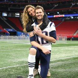 Gisele Bündchen y Tom Brady en el estado Mercedes-Benz de Atlanta