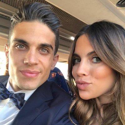 Marc Bartra y Melissa Jiménez en una foto selfie
