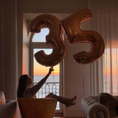 Sara Carbonero celebrando su 35 cumpleaños a lo grande