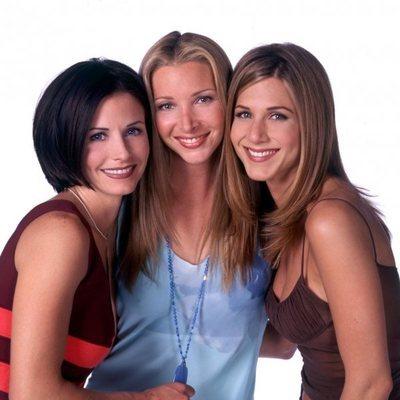 Jennifer Aniston con sus compañeras de reparto de la serie 'Friends'