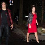 Edinson Cavani y Jocelyn Burgardt  en la fiesta de cumpleaños de Neymar