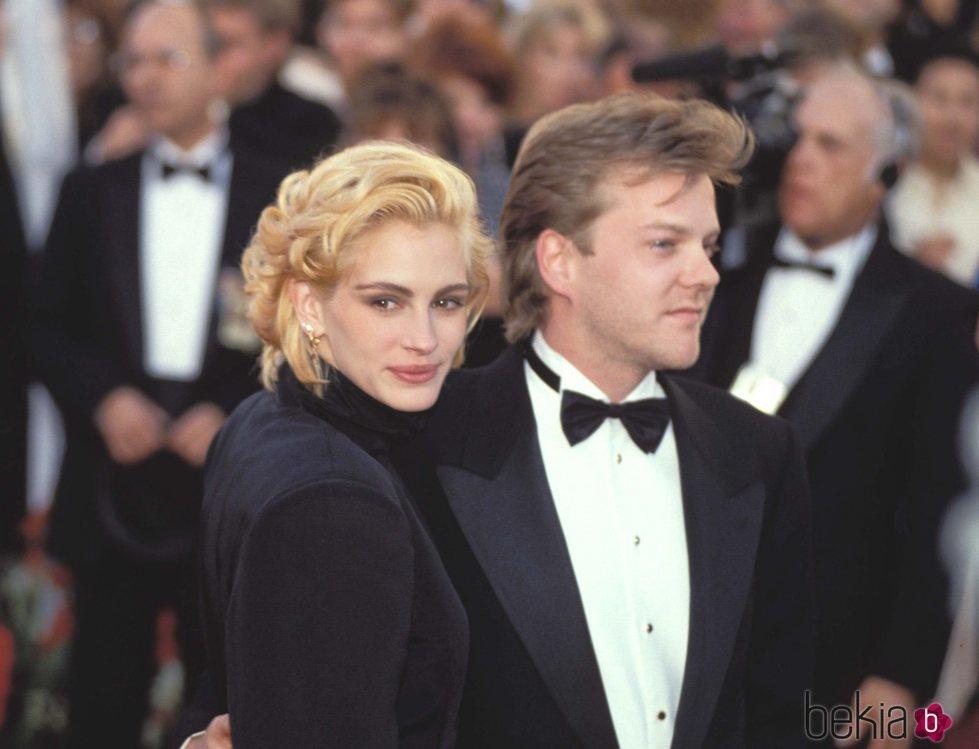Julia Roberts y Kiefer Sutherland en los Academy Awards