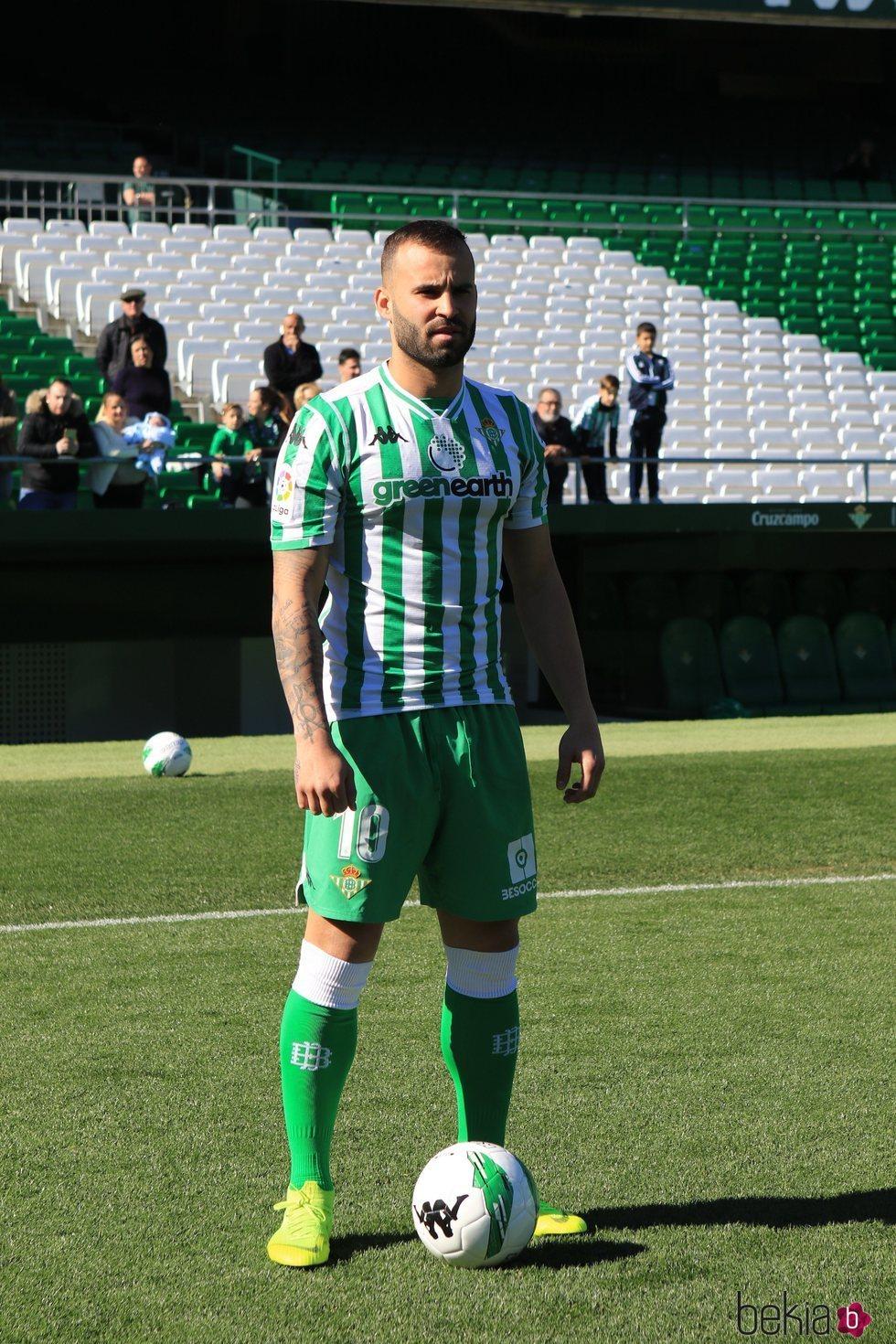Jesé Rodríguez en el campo de fútbol del Betis