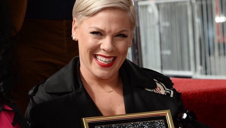 Pink recibe una estrella en el paseo de la fama de Hollywood