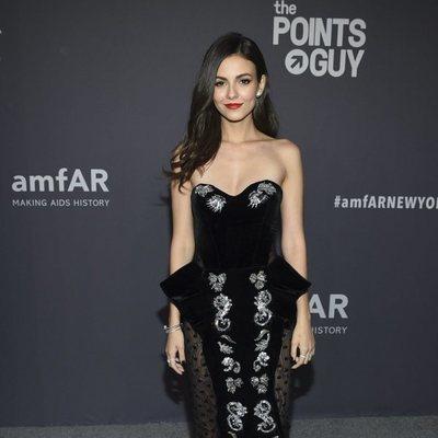 Victoria Justice en la gala amFAR 2019