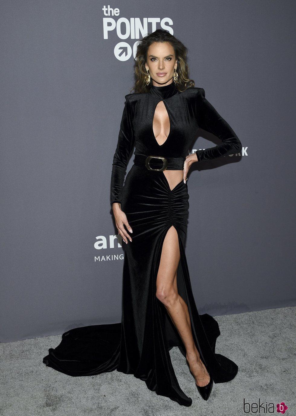 Alessandra Ambrosio en la gala amFAR 2019