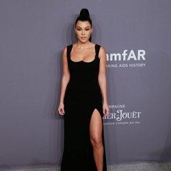 Kourtney Kardashian en la gala amFAR 2019
