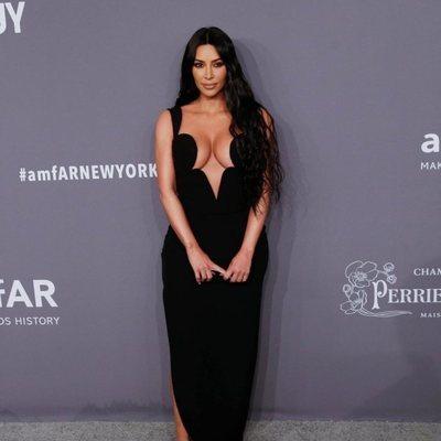 Kim Kardashian en la gala amFAR 2019