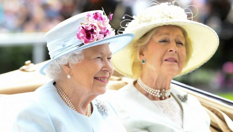 Isabel II y Alexandra de Kent en las carreras de Ascot 2018