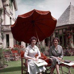 La Princesa Marina con su hija Alexandra de Kent