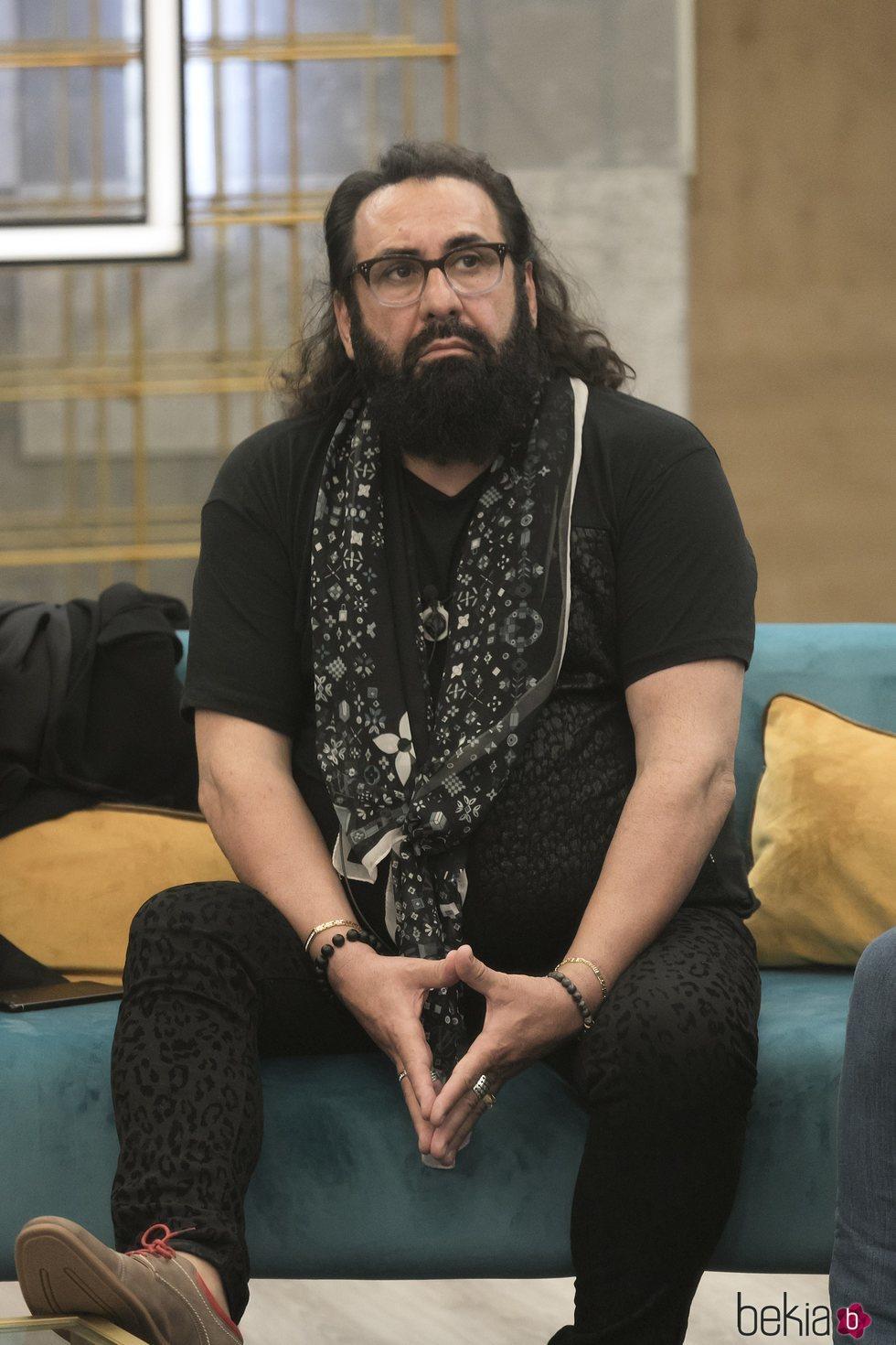 Juan Miguel en la casa de 'GH DÚO' durante la gala 6