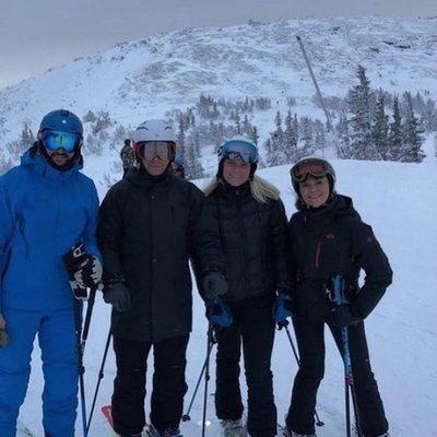 Los Príncipes Victoria y Daniel y los Príncipes Haakon y Mette-Marit esquiando en Suecia