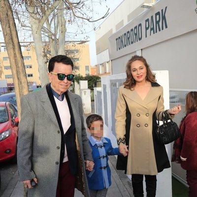 José Ortega Cano y Ana María Aldón con su hijo durante su cumpleaños