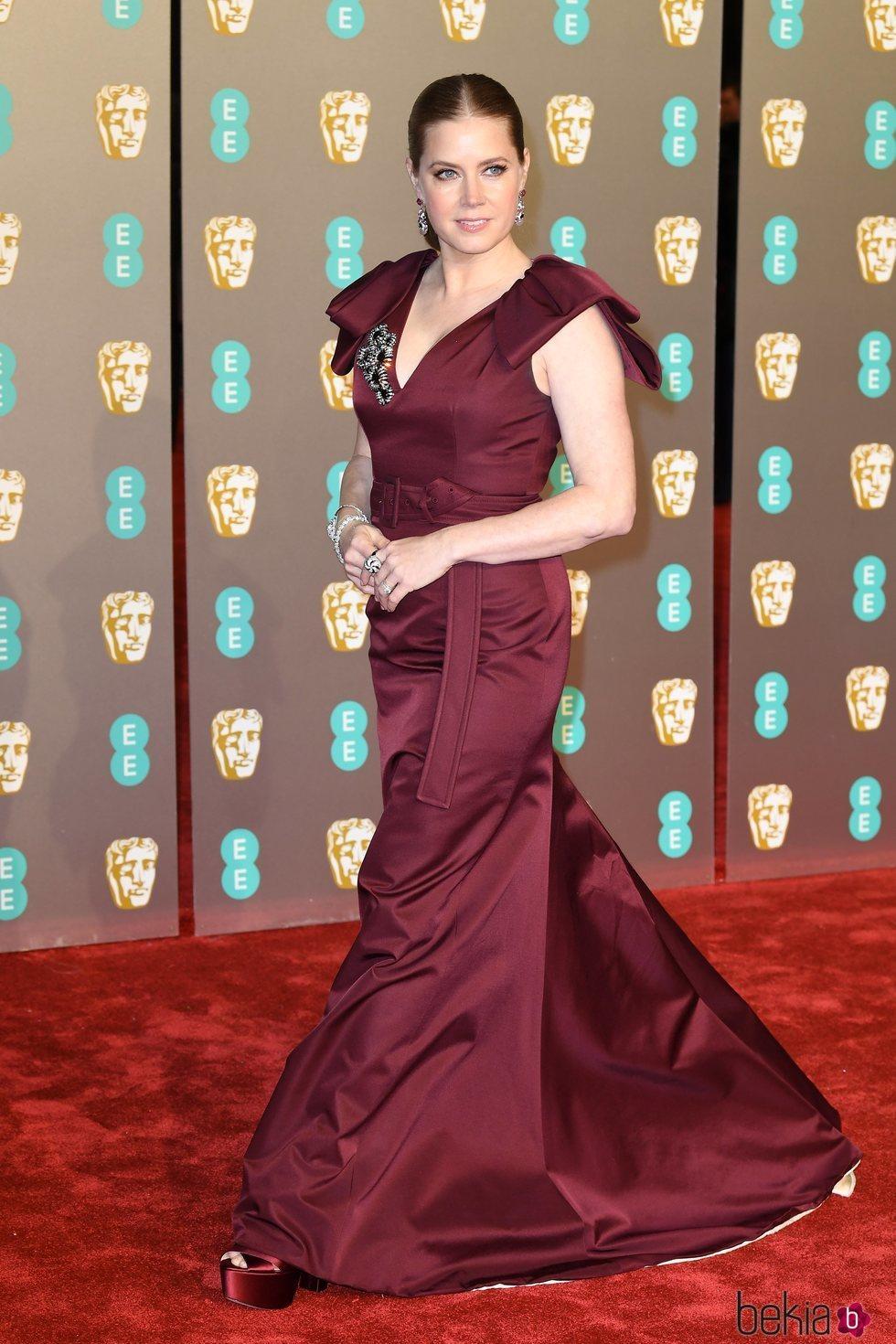 Amy Adams en la alfombra roja de los Premios BAFTA 2019