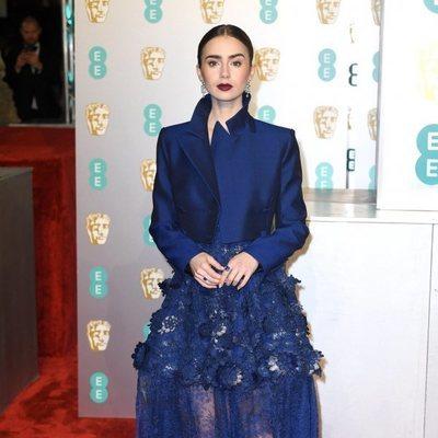 Lily Collins en la alfombra roja de los Premios BAFTA 2019